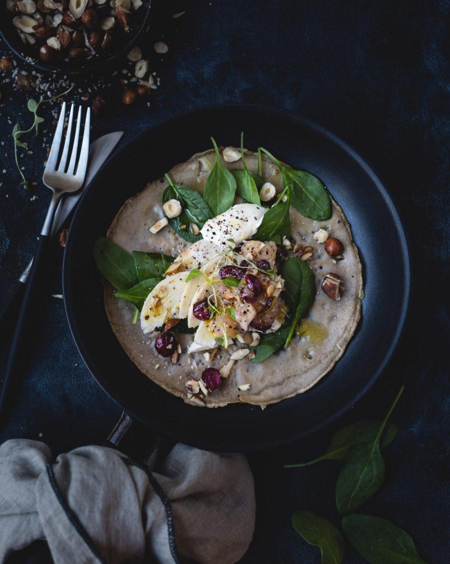 Bovetepannkaka med kyckling och äppelkompott