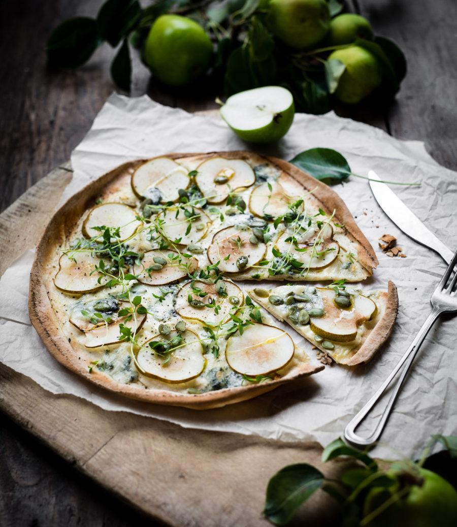 Libapizza med gorgonzola och päron